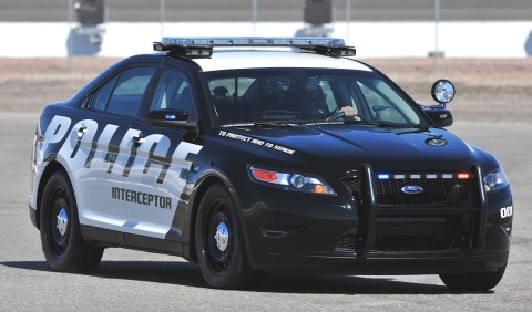2012_ford_taurus_police_interceptor03.jp