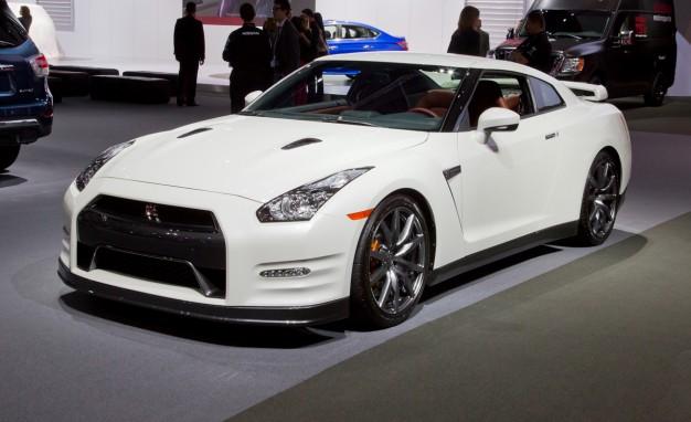 2014-Nissan-GT-R-placement-2-626x382.jpg